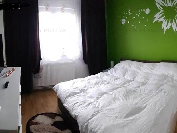 Apartament de vânzare 4 camere - imaginea 1