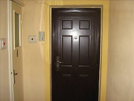 Apartament de vânzare 4 camere, în Arad, zona Banu Maracine