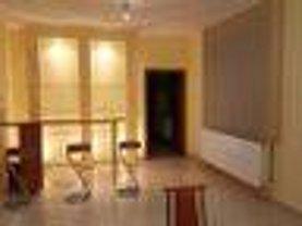 Casa de închiriat 5 camere, în Arad, zona Micalaca