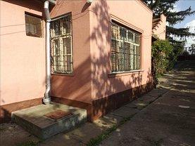 Casa de vânzare 2 camere, în Ghioroc
