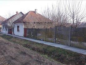 Casa de vânzare 3 camere, în Chisineu-Cris, zona Central