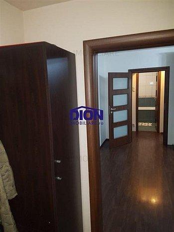 oferta imobil 2 camere recent renovat - imaginea 1