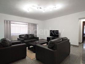 Apartament de vânzare sau de închiriat 4 camere, în Bucureşti, zona Aviatorilor