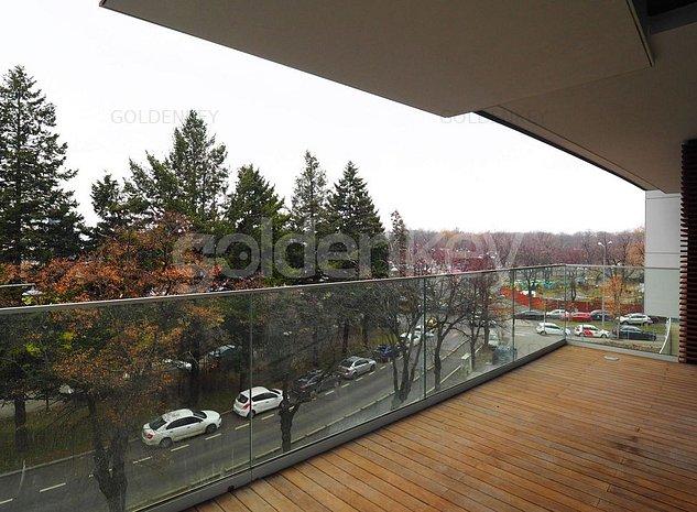 Apartament spatios cu 4 camere, 30mp terase, vedere Charles de Gaulle - imaginea 1
