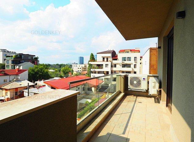 Apartament modern cu 3 camere, terasa, vedere frumoasa - imaginea 1