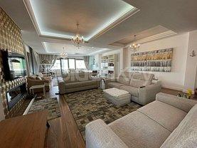 Penthouse de vânzare 5 camere, în Mamaia, zona Central