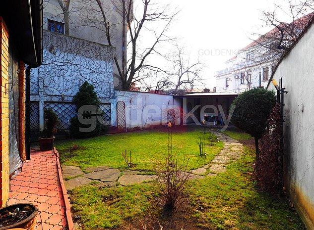 Vila cocheta cu 8 camere si gradina, birou/locuit - imaginea 1