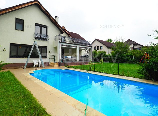 Vila cu 5 dormitoare, garaj dublu si piscina proprie - imaginea 1