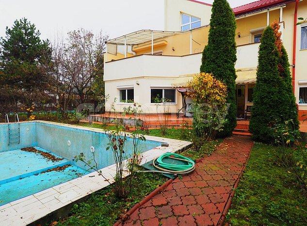 Vila generoasa cu 8 camere si piscina exterioara - imaginea 1
