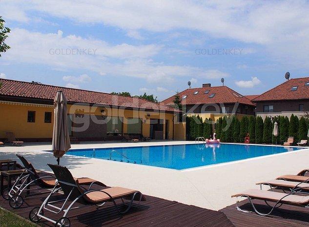 Vila individuala in cartier rezidential cu teren de tenis si piscina - imaginea 1