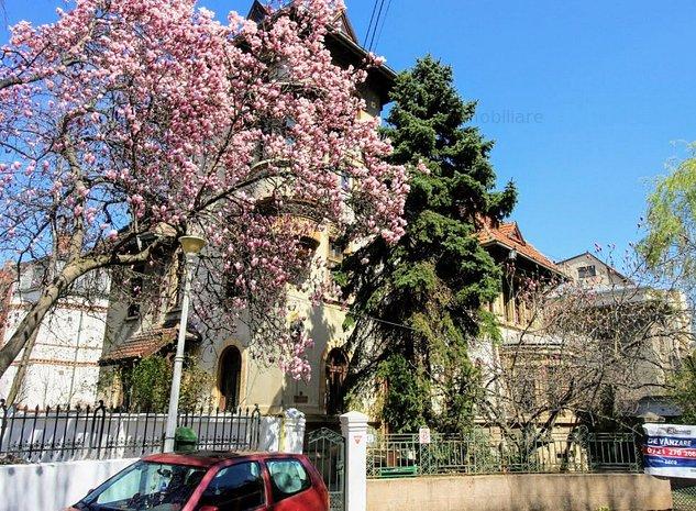 Kiseleff, vila stil neoromanesc, suprafata 490 mp, teren 619 mp, strada unica - imaginea 1