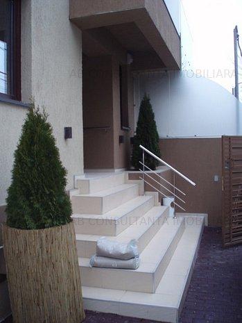 Zona Floreasca - Adiacent vila 6 camere - imaginea 1