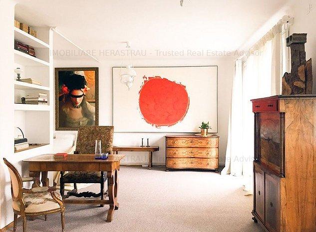Apartament deosebit in vila interbelica - imaginea 1