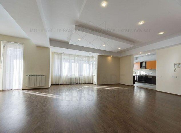 White Baccardi   apartament spatios si luminos - imaginea 1