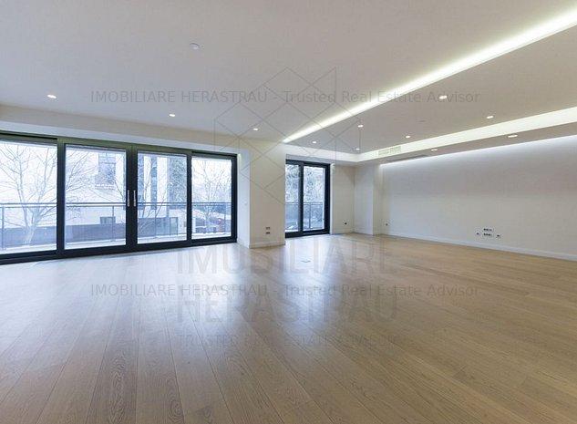 Primavera Suite | Ultra Luxury Apartment in the best location - imaginea 1