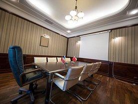 Casa de vânzare 13 camere, în Bucureşti, zona Capitale
