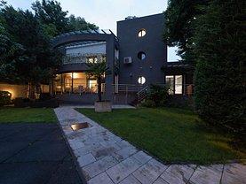 Casa de vânzare 10 camere, în Bucureşti, zona Herăstrău