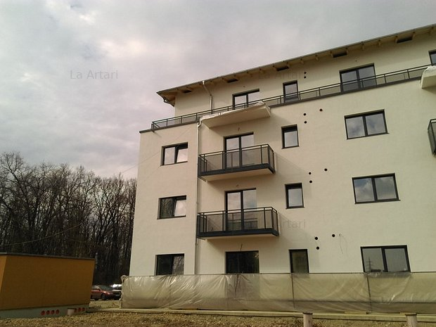 Apartament de 2 camere de vanzare, langa padure! - imaginea 2