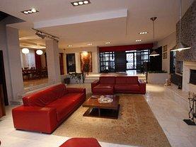 Casa de vânzare sau de închiriat 12 camere, în Snagov