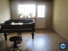 Apartament de vânzare 4 camere, în Ploieşti, zona P-ţa Mihai Viteazu
