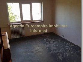 Apartament de vânzare 4 camere, în Constanta, zona Km 5