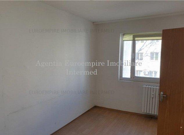 Apartament 2 camere de vanzare zona Casa de Cultura, etaj2, semidecomandat - imaginea 1
