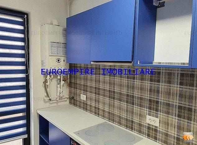 De vanzare apartament cu 3 camere situat in zona Tomis Nord/Campus - imaginea 1