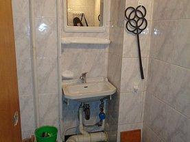 Apartament de vânzare 4 camere, în Pitesti, zona Banat