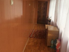 Casa de vânzare 5 camere, în Topoloveni, zona Central