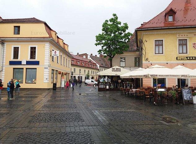 Apartament cu 2 camere de vanzare in Sibiu Piata Mare - imaginea 1