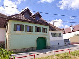 Casa de vânzare 3 camere, în Cisnădioara