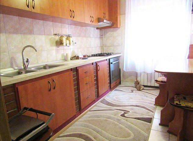 Apartament 3 camere, zona Griviteti - imaginea 1