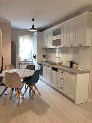 Apartament 2 camere renovat, mobilat si utilat complet, Central, Brasov - imaginea 1