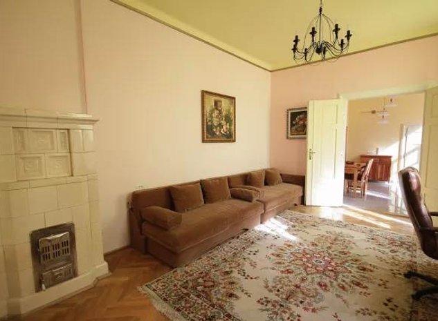 Apartament 2 camere, mobilat si utilat, Poarta Schei, Brasov - imaginea 1