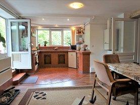 Apartament de vânzare 3 camere, în Brasov, zona Schei