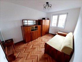 Apartament de vânzare 3 camere, în Braşov, zona Vlahuţă