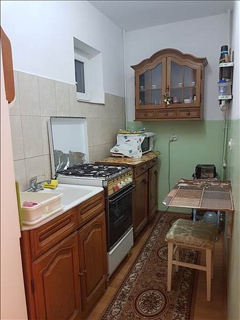 Garsoniera Judetean, decomandata, Brasov - imaginea 1