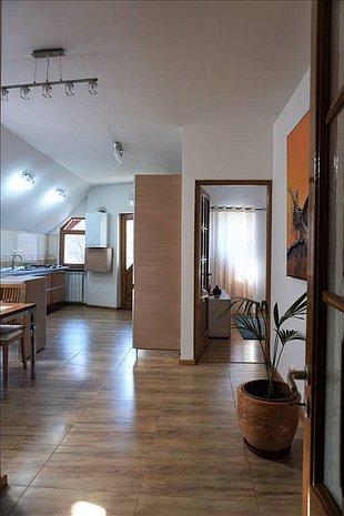 Apartament 2 camere, Scheii Brasovului - imaginea 1