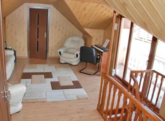 Casa renovata, mobilata si utilata, Craiter, Brasov - imaginea 1