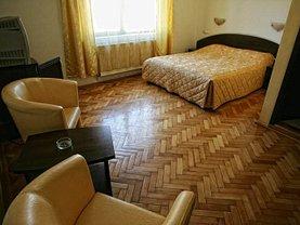 Casa de închiriat 10 camere, în Braşov, zona Judeţean