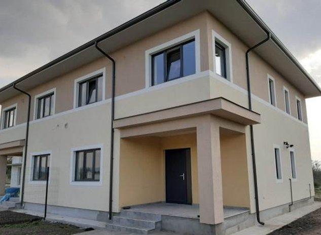 Casa (jumatate de duplex), Stupini, Brasov - imaginea 1