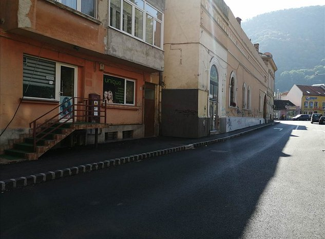 Vanzare spatiu comercial, zona centrala, Brasov - imaginea 1
