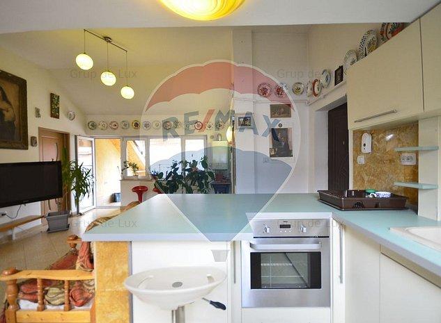 Apartament 98 mp strada Colinei - imaginea 1