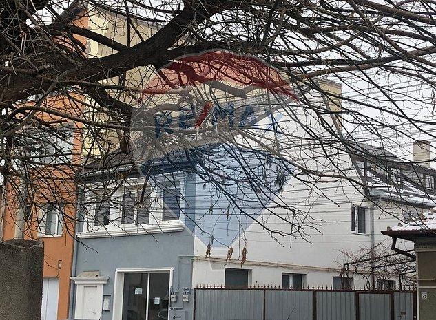 Casa / Vila cu 6 camere de inchiriat in zona Horea - imaginea 1
