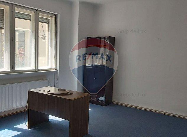 Spatiu de birouri de inchiriat in zona ultracentrala - imaginea 1