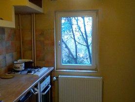 Apartament de închiriat 3 camere în Arad, Confectii