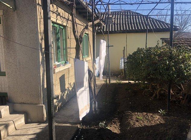 Vand casa cu teren in zona Inel 2-Coiciu după Soveja - imaginea 1