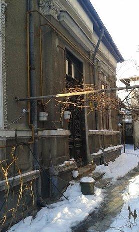 Armeneasca, strada de vis, vila interbelica solida, singur curte, 350 mp teren - imaginea 1