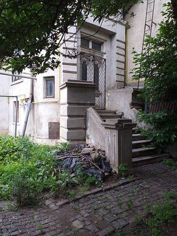 Vila monument istoric singur curte, renovabila, sediu firma/locuinta - imaginea 1
