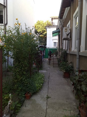 Universitate - Grădina Icoanei, imobil interbelic singur curte, gradina frumoasa - imaginea 1